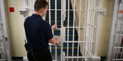 Penitenciarele imbolnavesc angajatii