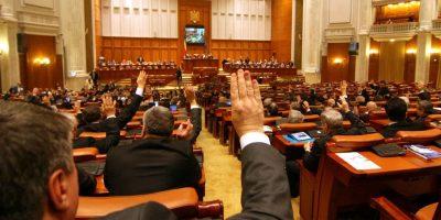 Acte normative de interes imediat pentru angajatii din penitenciare, la mana politicienilor